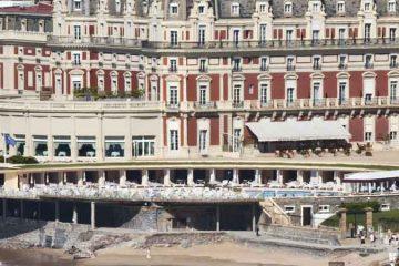 location hôtel bord de mer biarritz